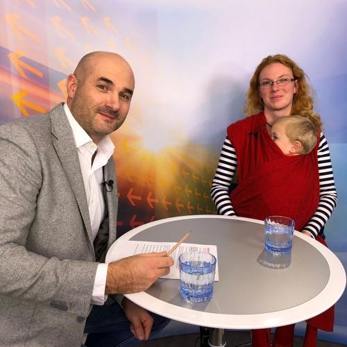 Otazníky: Monika Pipová - V čem tkví výhody šátkování miminek