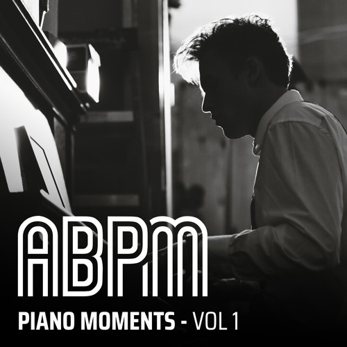 PIANO MOMENTS VOL 1