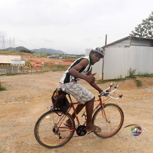 Projeto usa a bicicleta para mudar a realidade de moradores do município de Queimados (RJ)