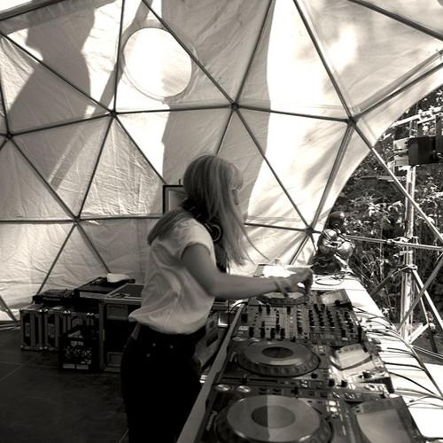 Queensyze DJ Mixes