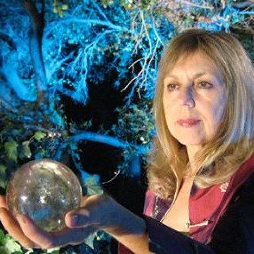 Psychic Victoria Gross joins Thorne & Cross: Haunted Nights LIVE!