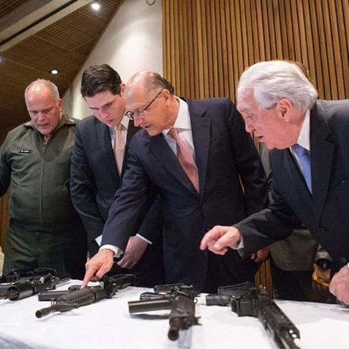 Alckmin tem discurso ambíguo sobre armas