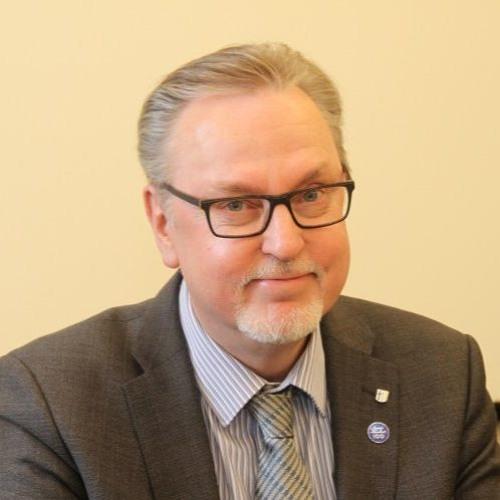 Antero Laukkanen. Keskustelua Ruotsin vaaleista ja Ruokahävikistä Suomessa.