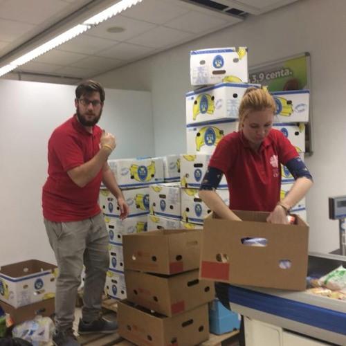 Týždeň dobrovoľníctva: Potravinová pomoc v Malackách - Rádio FM