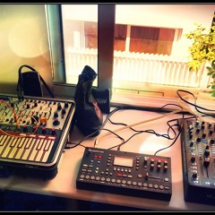 Oct(a)sel (Octatrack and Buchla Music Easel)