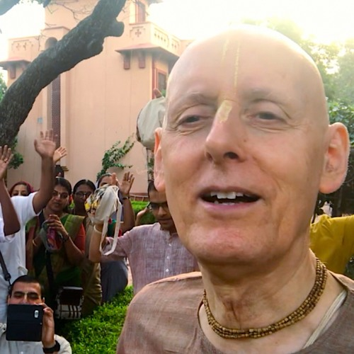 The Pure Hare Krishna Chanter Attracts the Whole World to Chant Hare Krisna