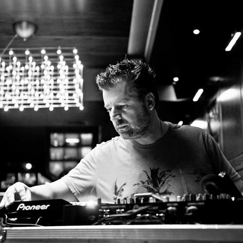 DJ A-V   CLOSED PARADISE  2018