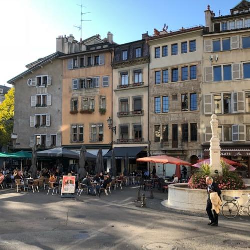 Place du Bourg- de-Four