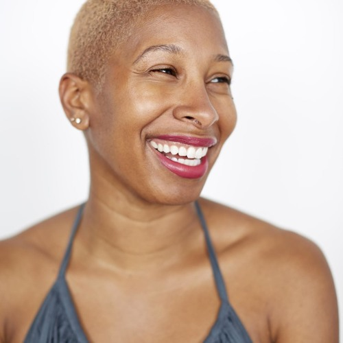 Ep 95:Building Your Own Bridge:Taking the extra steps in Fashion, Branding and Life w/Janell Hickman