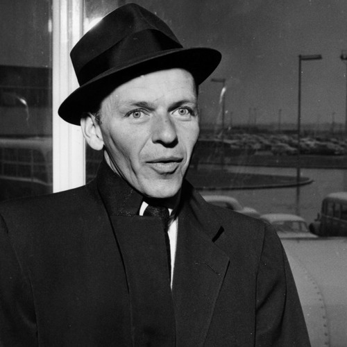 Frank Sinatra Remembers A Concert Where Screaming Girls Scared His Grandfather To Death