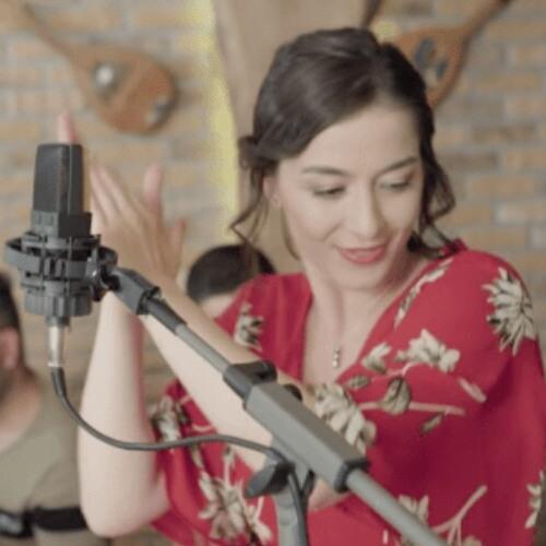 Ezgi Eyuboglu - Sevdaluk Zor Zanaat (Akustik).mp3