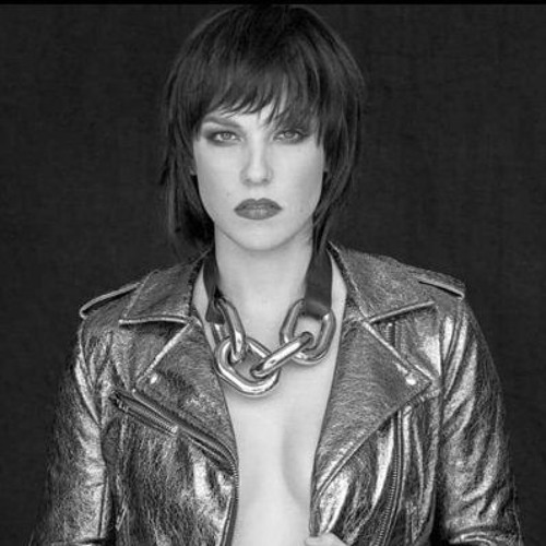 #Raincast Podcast: Empowered Woman @LzzyHale of @Halestorm