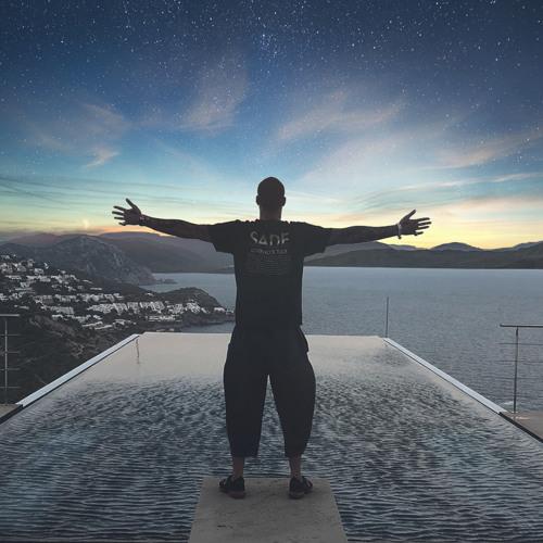 TroyBoi - SHOW OFF (feat. Healthy Chill)