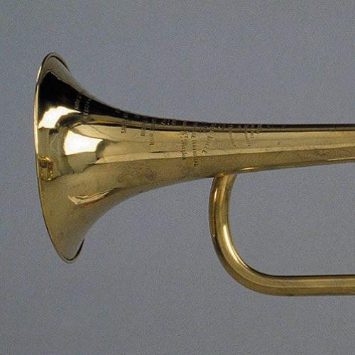 Trois exemples de diapason à la trompette