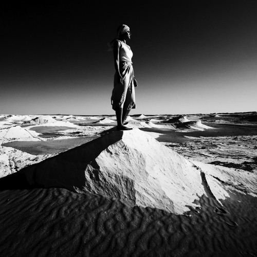 Chriya - Walk'in The Desert (Reforger Remix)--- for free download click buy