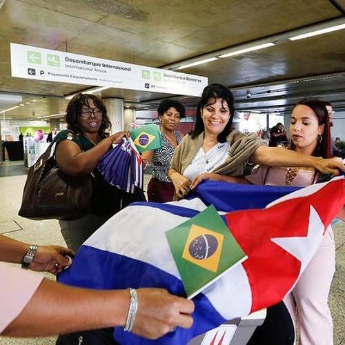 Médicos cubanos empiezan a despedirse en São Paulo
