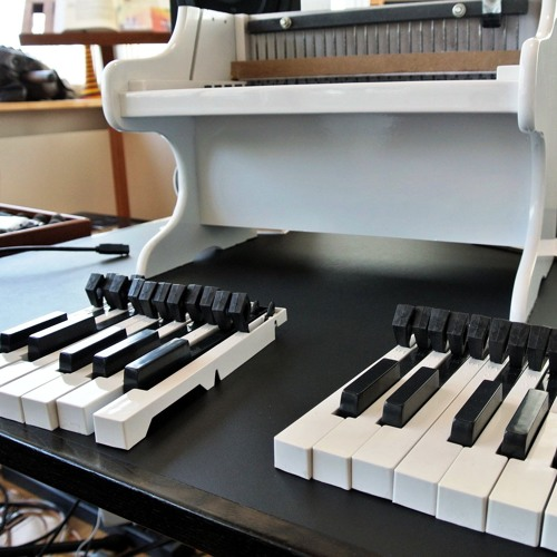 Miles to go (2012) for four prepared and amplified toy pianos - BINAURAL