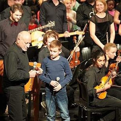 Jung und Alt gemeinsam auf der Bühne - Das Generationenkonzert in Lindau
