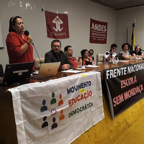 """Contra censura, professores e estudantes relançam a frente """"Escola Sem Mordaça"""""""