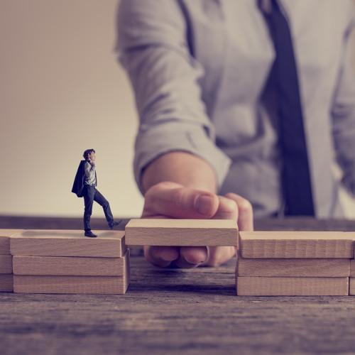 PITFALLS PROFITS AND FINANCING - BUY COMMERCIAL REAL ESTATE