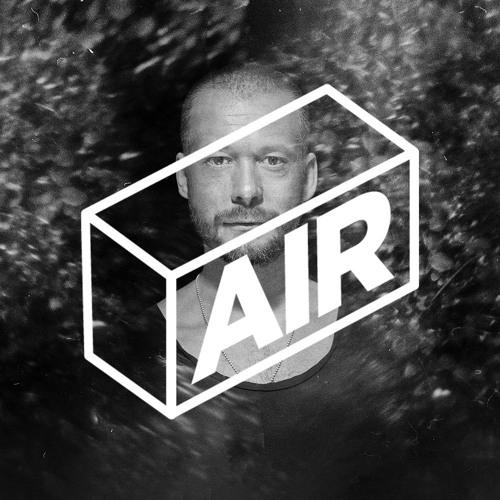 AIR 014 / Sebastian Mullaert