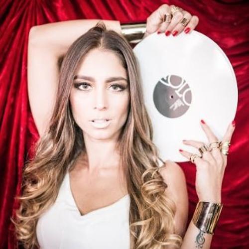 """The """"DEEP"""" side of me - DJ Flavia Xexeo"""