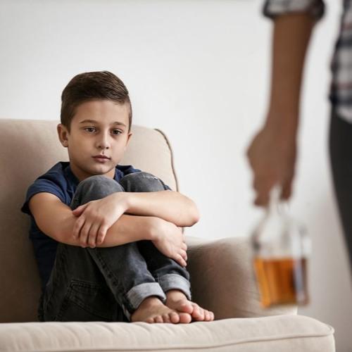 Crianças com um dos pais dependente (1)