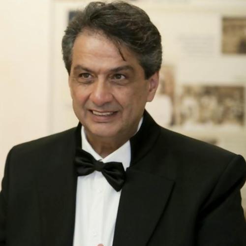 رادیو ایرآوا با استاد محمد شمس، آهنگساز، تنظیم کننده و رهبر ارکستر
