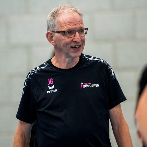 """Aflevering 4: Jan Berendsen: """"Ik leg aan speelsters niet elke teleurstelling uit''"""