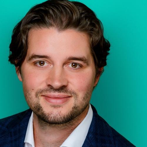 Die Zukunft digitaler Mitarbeiterempfehlungsprogramme - Auf ein Helles mit Carl Hoffmann