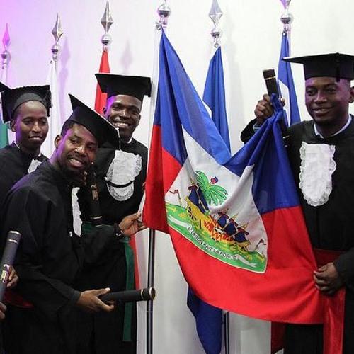Formatura da primeira turma de haitianos da Unila tem críticas a Bolsonaro