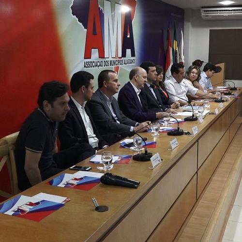 AMA e CNM apresentam pautas municipalistas a integrantes da bancada federal alagoana.