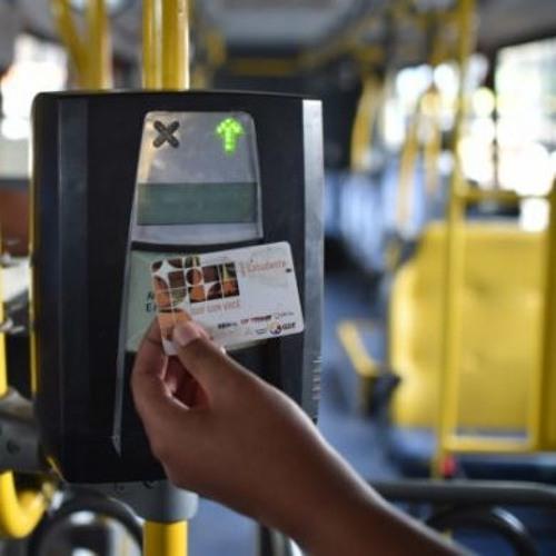 Estudantes do DF tentam barrar projeto de Ibaneis que limita Passe Livre