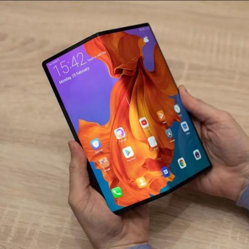 Gadget Guru - Huawei Mate X is the folding phone that wowed everyone