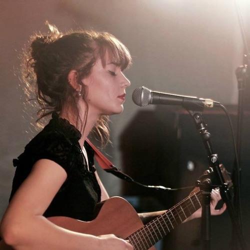 Bronwyn Leonard - Light Up - Live