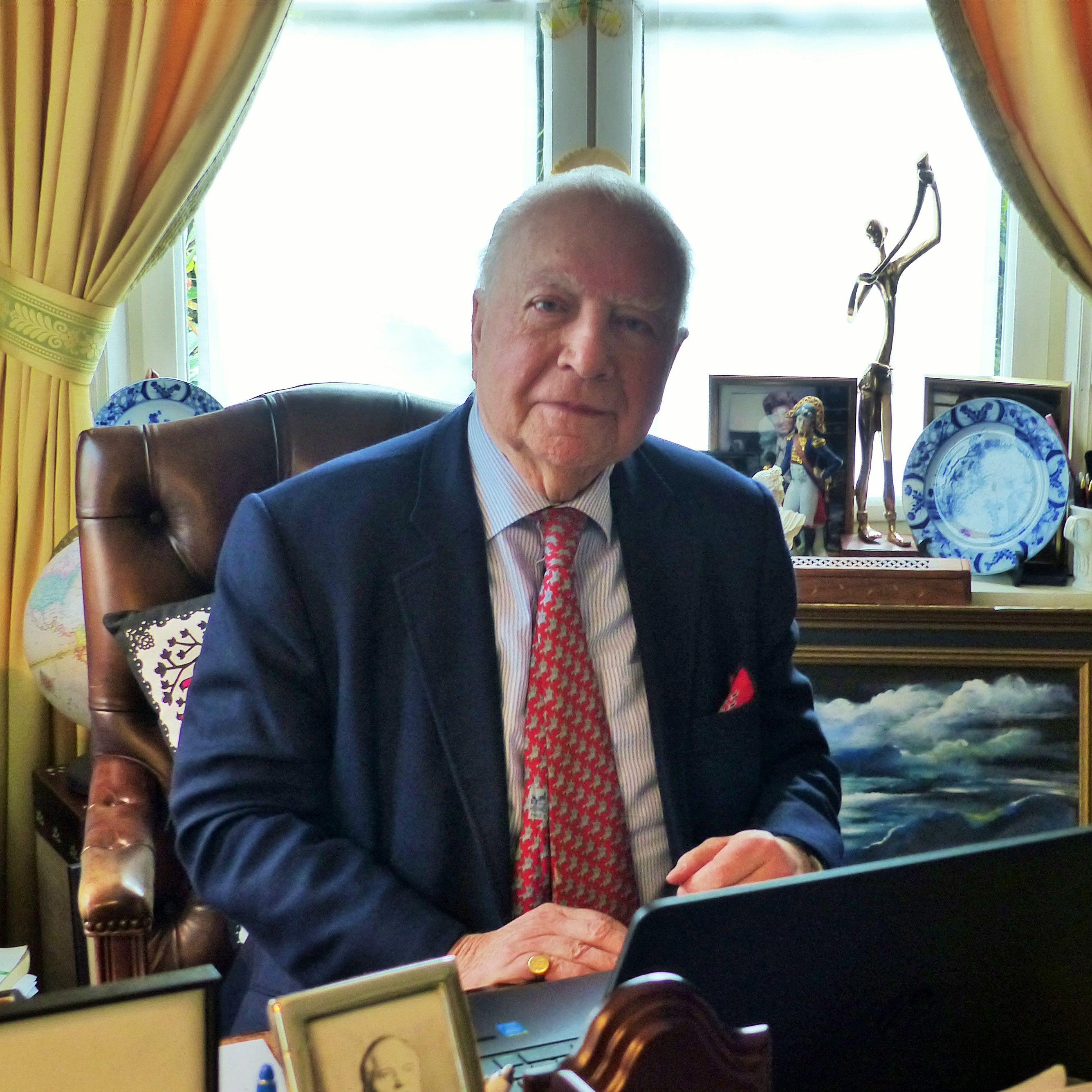 Mark Eyskens,l'ex Premier Ministre Belge nous invite à nous poser les bonnes questions