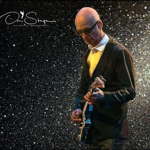 Kim Mitchell On Hearing A Crowd Sing His Songs