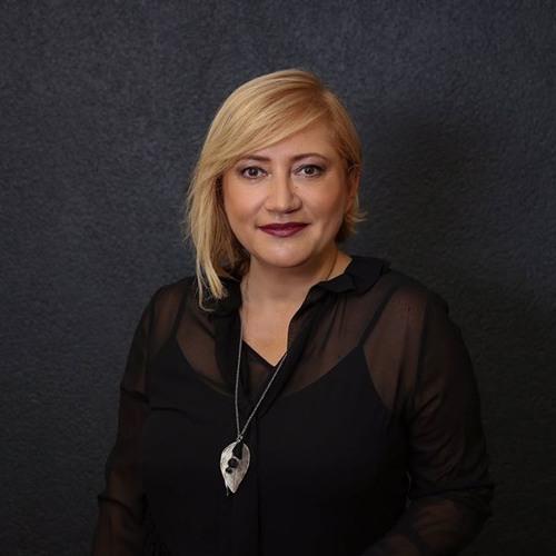 BAŞIMA BİR İŞ GELDİ / NURAY TOPRAK