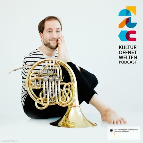#004 mit Felix Klieser, Solist als Hornist