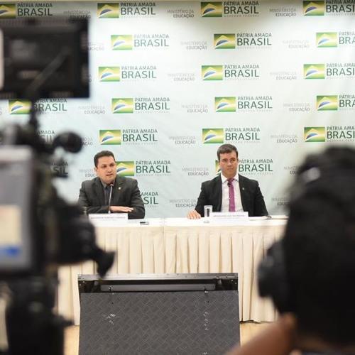 Capes garante que todas as bolsas concedidas serão mantidas no Brasil e no Exterior