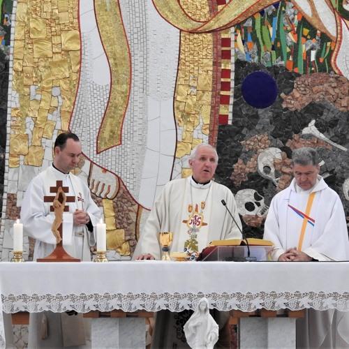 Prisluhni sveti maši v Zavodu sv. Stanislava ob 5. obletnici Vseposvojitve