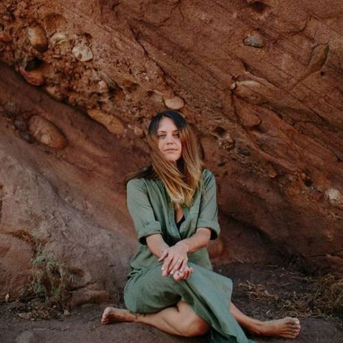 Uncovering Women's True 'Herstory' & Feminine Cultural Immersions with Hannah of Soul Seed Gathering