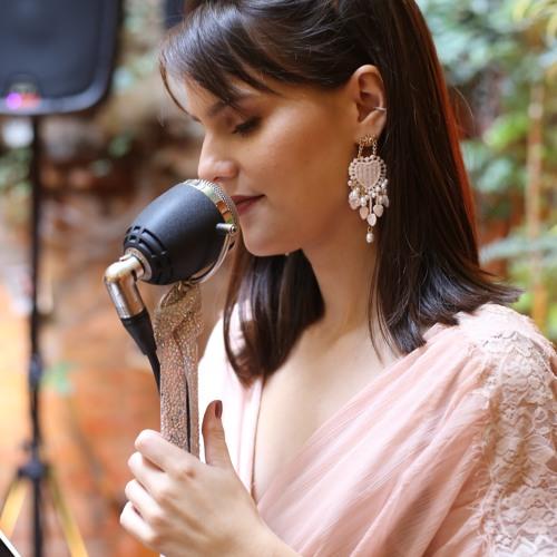 Magic - Colbie Caillat  {Ao vivo por Vivian Torres} Formato Voz, Violão e Violino