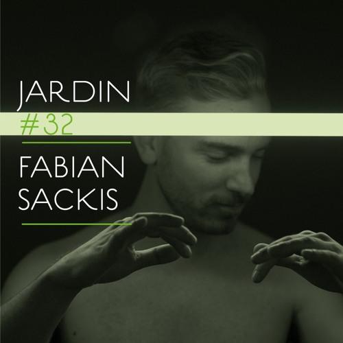 *32 Fabian Sackis