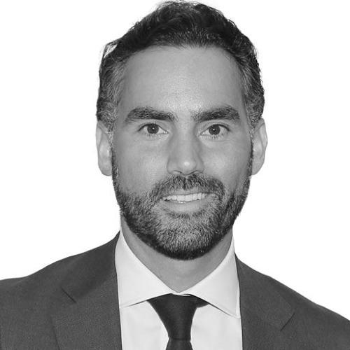 Enrique Acevedo. Persecución y opacidad