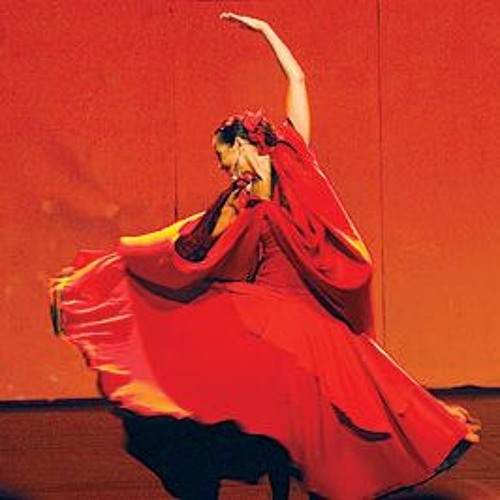 """""""لحظات امرأة"""" : حفل رقص تعبيري في باريس مع """"لمياء صفي الدين"""""""