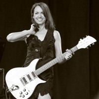 """Susanna Hoffs On Prince giving The Bangles """"Manic Monday"""""""