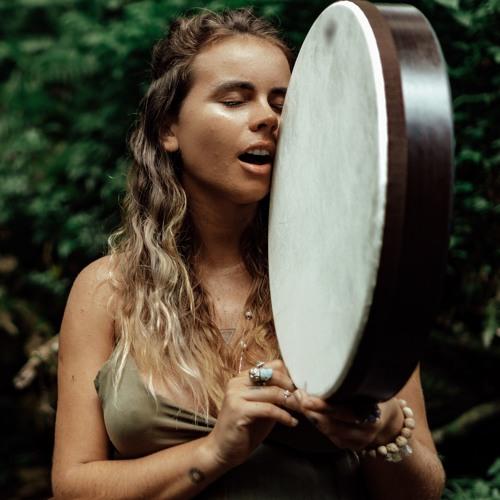 Calling my ancestors - Elisa Becker