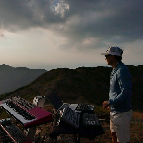 Adwer & Jon Rabbit - live at Montseny 1700 m off sonar special