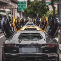 10 Lamborghinis